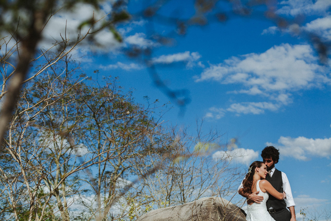 Ensaio-Trash-the-Dress-Bruna-e-Victor-Pedra-de-Ingá-Paraíba-Deise-Rathge-Fotografia_0067