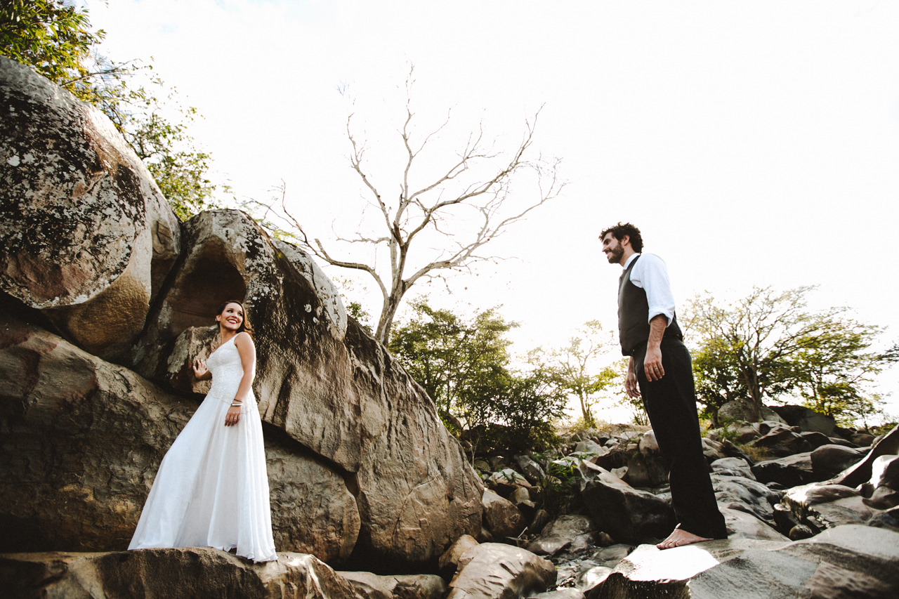 Ensaio-Trash-the-Dress-Bruna-e-Victor-Pedra-de-Ingá-Paraíba-Deise-Rathge-Fotografia_0197