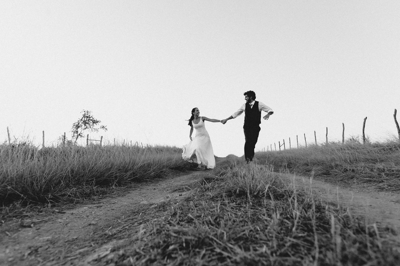 Ensaio-Trash-the-Dress-Bruna-e-Victor-Pedra-de-Ingá-Paraíba-Deise-Rathge-Fotografia_0341